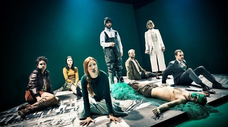 Brænding - De nye #1 - Aarhus Teater og DDSKS