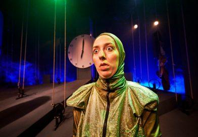 ANMELDELSE: Momo – eller kampen om tiden, Team Teatret