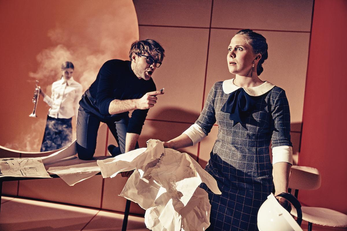 ANMELDELSE: Katastrofen sker i pausen, Aarhus Teater