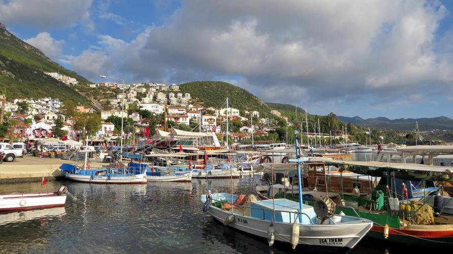 der kleine Hafen von Kaş