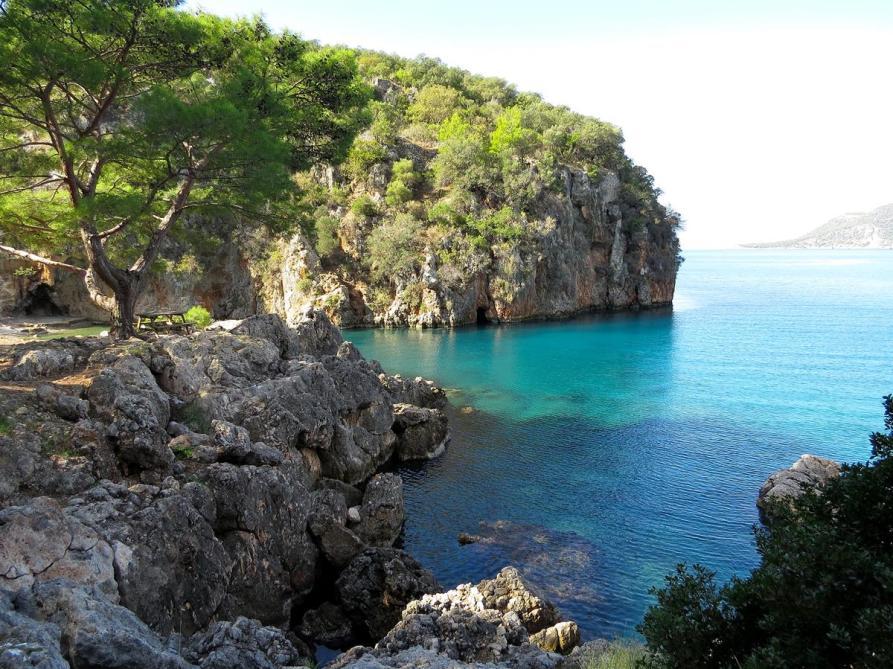 kleine Bucht an der Mittelmeerküste