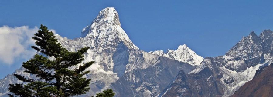 Ama Dablam, Everest