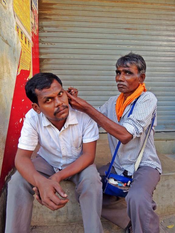 Ohrenreiniger in Indien