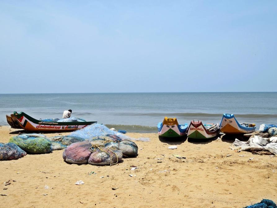 Fischerboote am Stadtstrand von Pondicherry