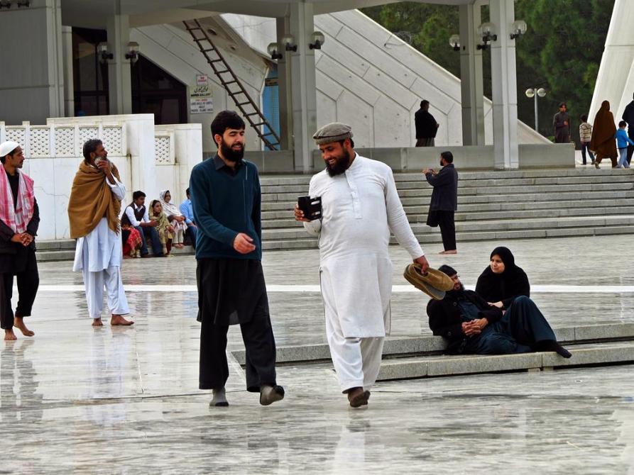die Faisal-Moschee ist ein sozialer Treffpunkt