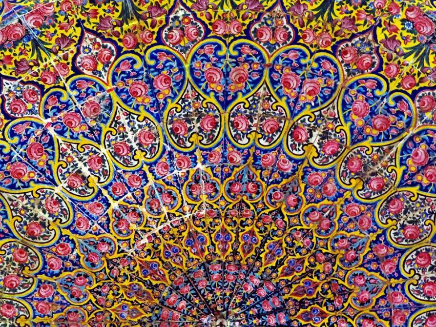 Deckenmuster in der Gebetshalle der Nasir-al-Molk Moschee