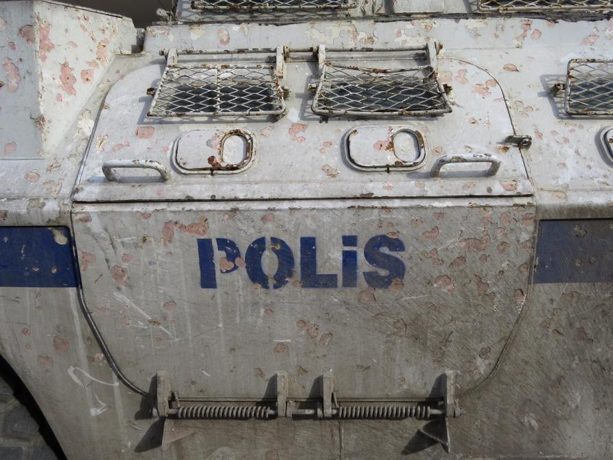 Einsatzwagen der Polizei in Diyarbakır