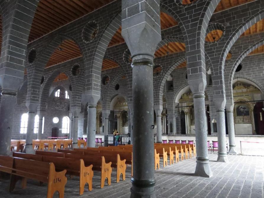 Kirchenschiffe der Sankt-Giragos-Kathedrale, Diyarbakır