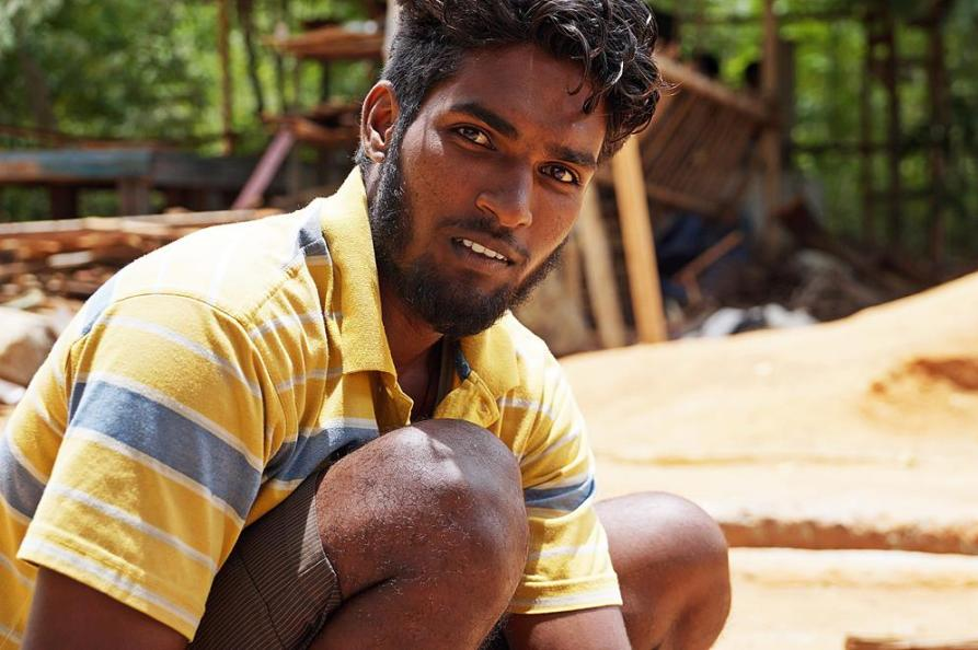 Porträt eines jungen Handwerkers, Auroville, Sacred Groves