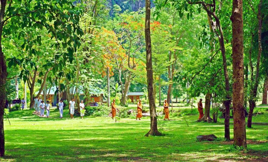 Wat Pa Tam Wua, Thailand
