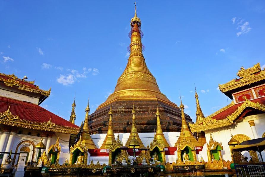 goldene Kyaik Than Lan Pagode, Mawlamyine, Myanmar