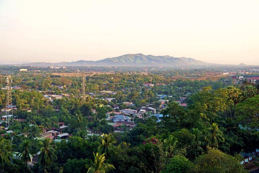 Blick über Mawlamyine und den Dschungel, Myanmar