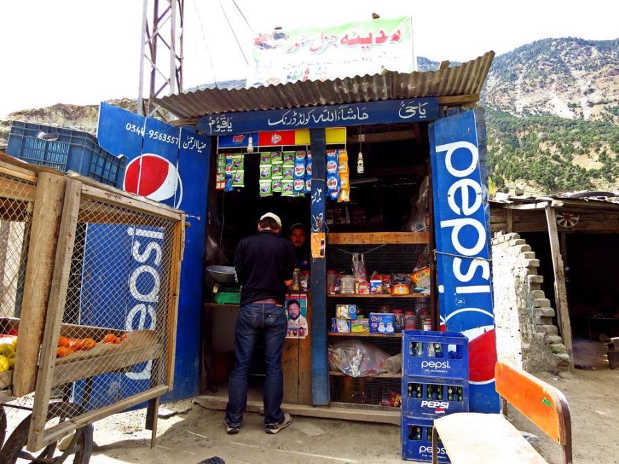 kleiner Kiosk am Karakorum-Highway