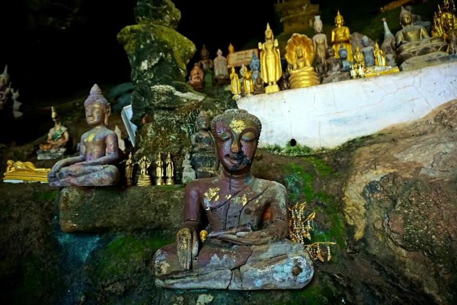 Pak Ou Caves, Mekong. Laos