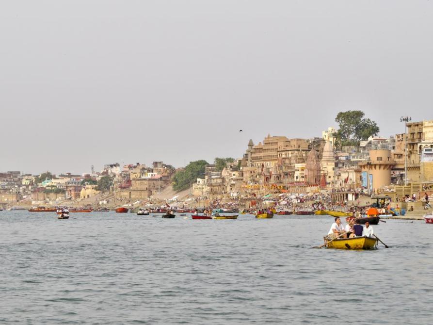 Boote auf dem Ganges, Varanasi