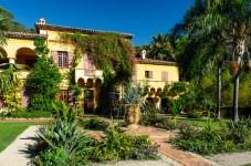 Mediterranean garden mansion