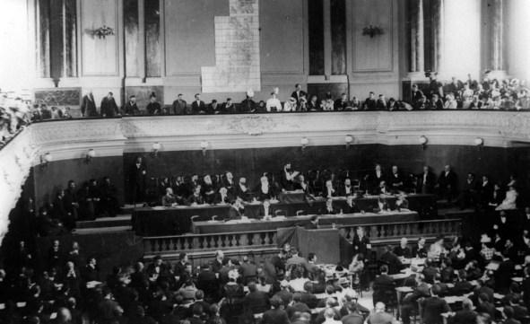 Pierwszy kongres syjonistyczny, który odbył się w Bazylei w Szwajcarii w 1897 r.
