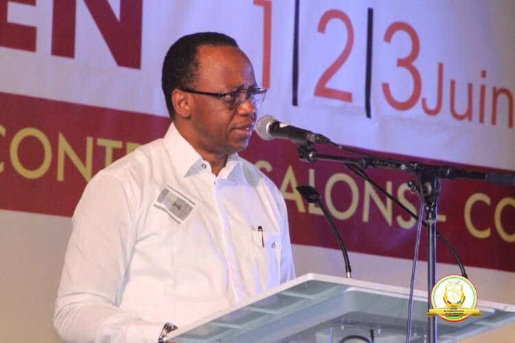 Le gouvernement Mamady Youla démissionne — Urgent