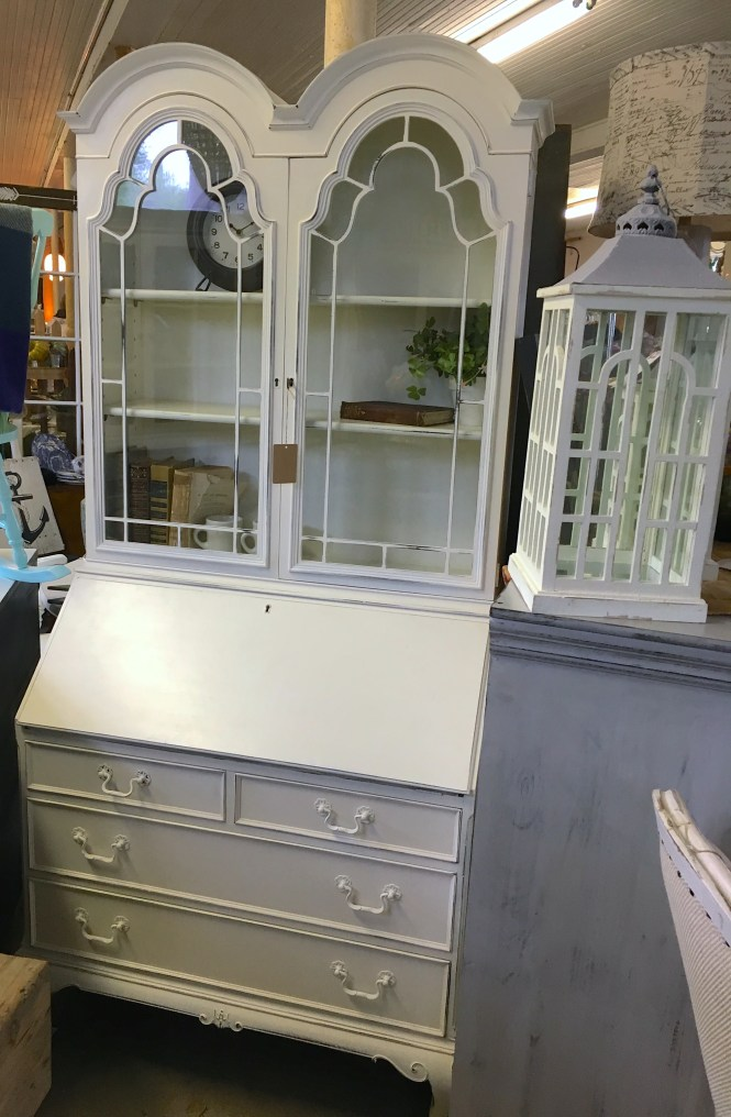 white farmhouse kitchen hutch