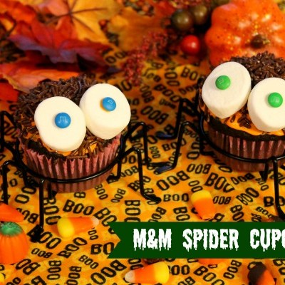 Easy M&M Halloween Spider Cupcakes