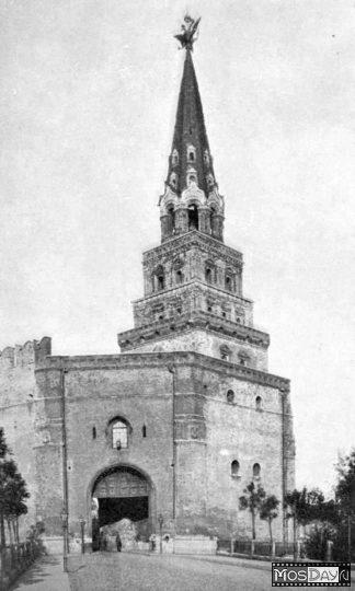 Москва   Фотографии   №111.116 (Боровицкая башня)