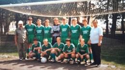 1992. Juniorzy przed sezonem 92-93 z trenerem F. Rypiną i kierownikiem E. Guzem.