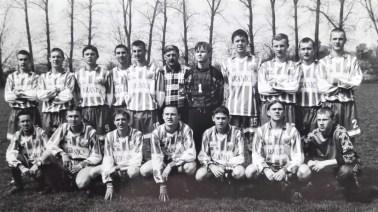 1999. Wicemistrzowscy juniorzy r. 1980 i młodsi.