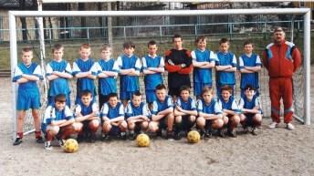 2001. Drużyna młodzików przed rundą wiosenną.