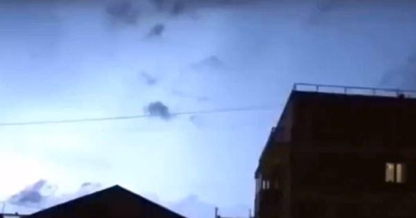 В небе над Москвой заметили редкое природное явление ...