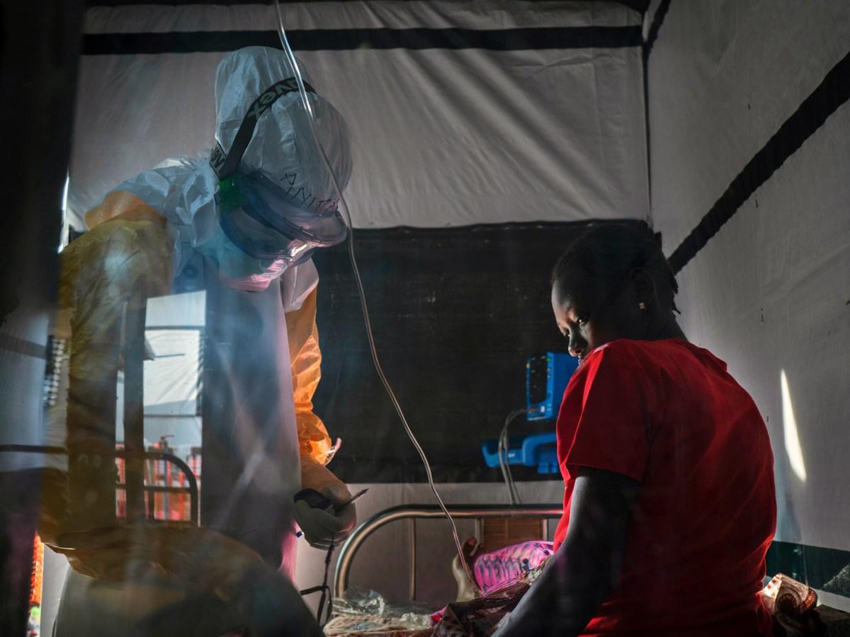 Лихорадка Эбола: первое в мире успешное лечение