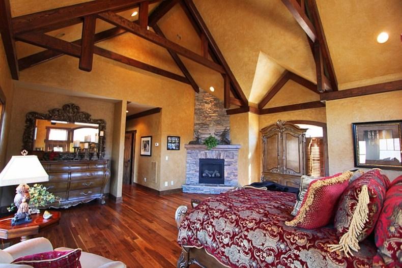 32 Acre Luxury Mountain Estate NC q