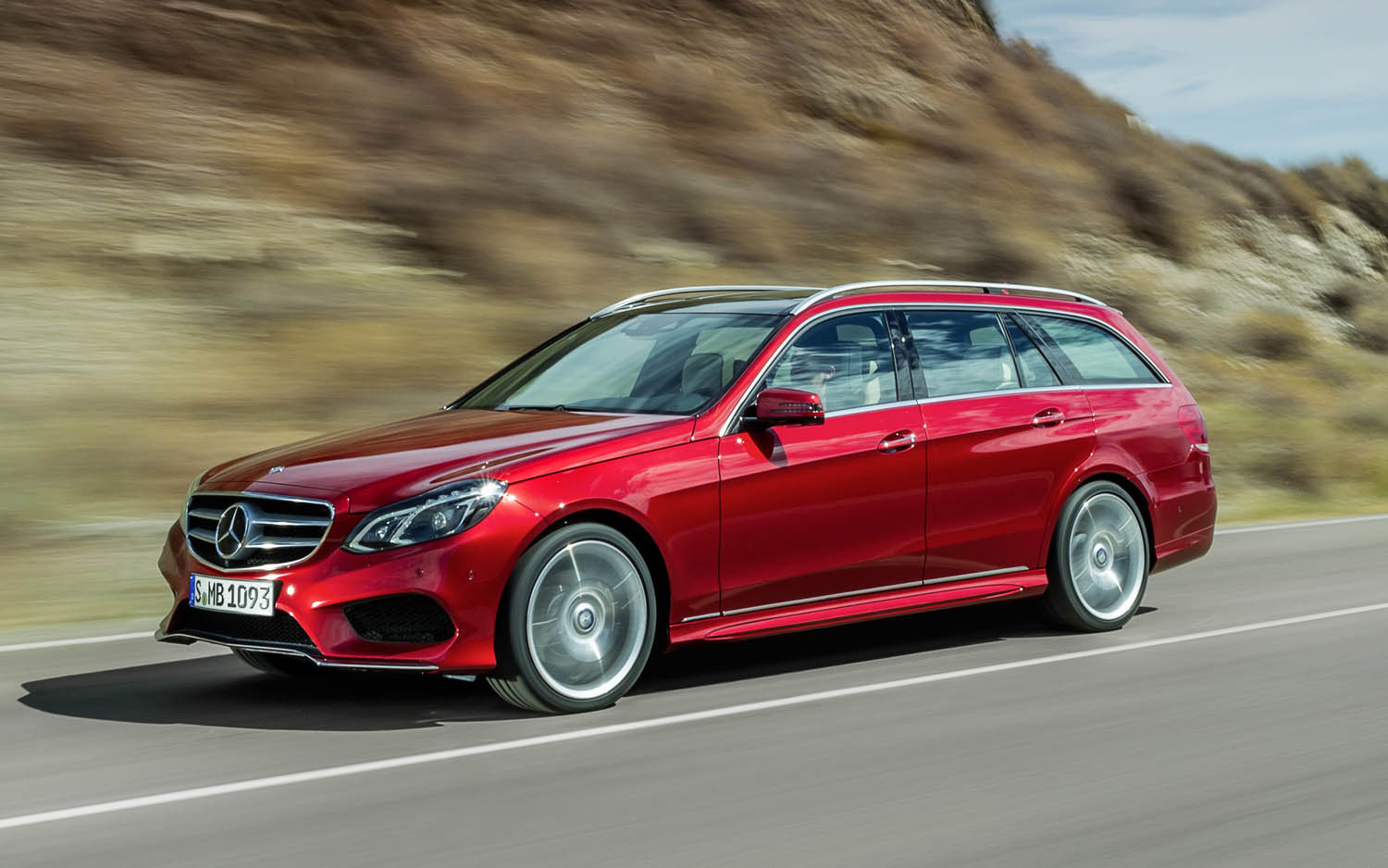 Mercedes benz usa selling more luxury cars than ever in history 2014 mercedes benz e class wagon altavistaventures Image collections