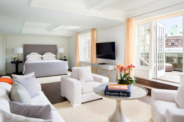 the-penthouse-suite-at-the-mark-hotel-2-mosnar-communications