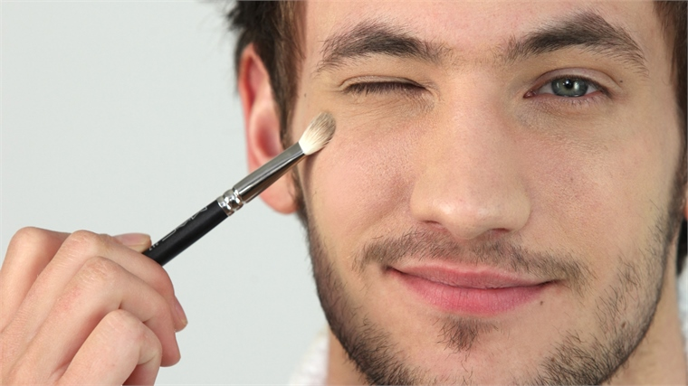 British Male Makeup Brand MMUK MAN, British Male Makeup Brand MMUK MAN Produces Flawless Results