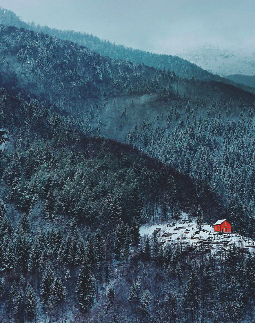cozy-cabins-in-the-woods-35-575fdade10723__880