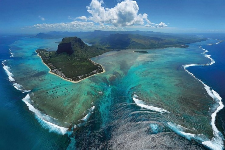 Incredible Underwater Waterfall in Mauritius
