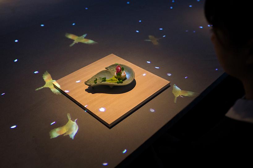 teamlab-saga-beef-interactive-restaurant-sagaya-ginza-moss-and-fog5