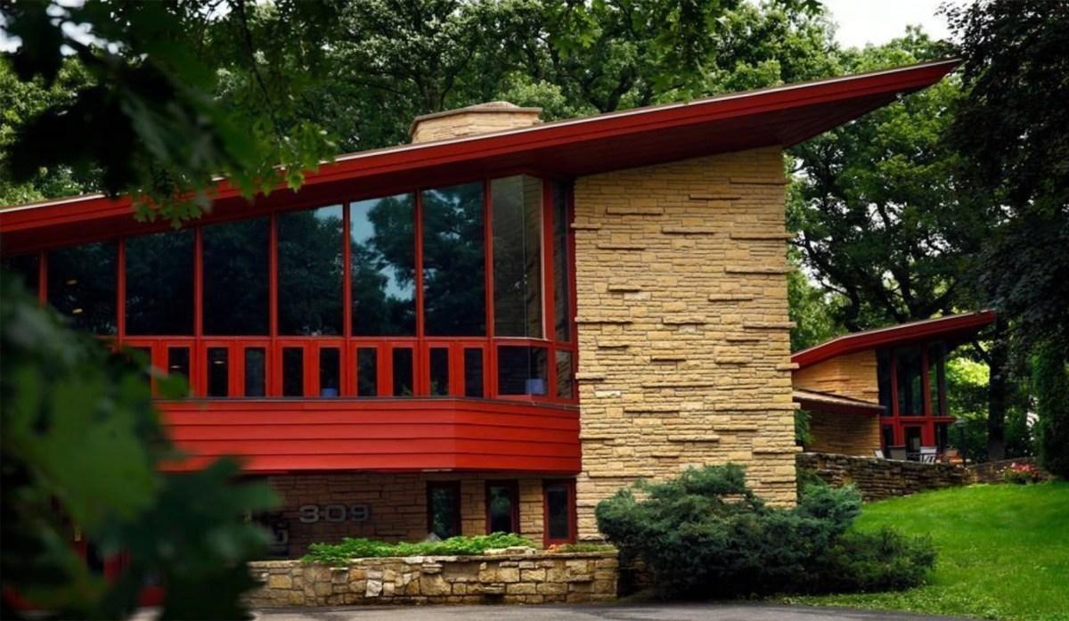 Frank Lloyd Wright Home Moss and Fog 6
