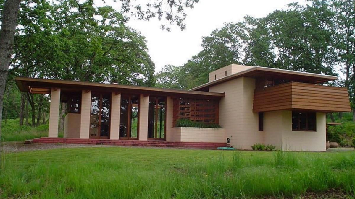 Frank Lloyd Wright Home Moss and Fog 7