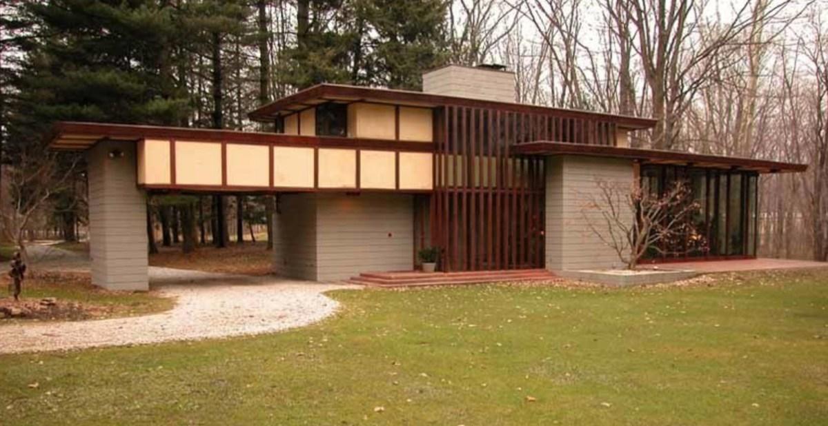 Frank Lloyd Wright Home Moss and Fog 8