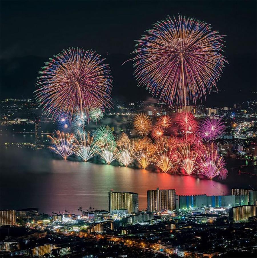 japanese fireworks moss and fog 4