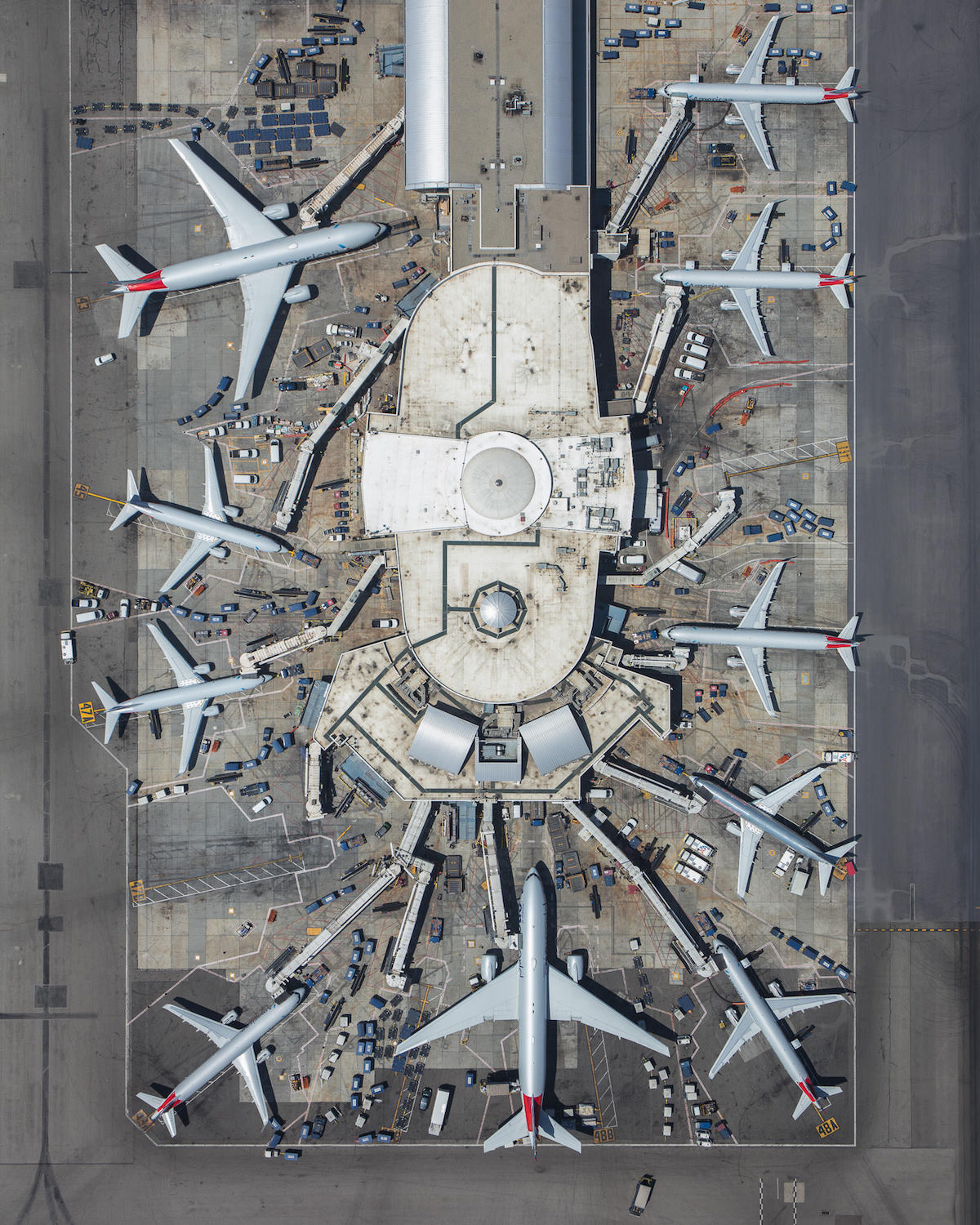 mike-kelley-airport-photos-moss-and-fog-6