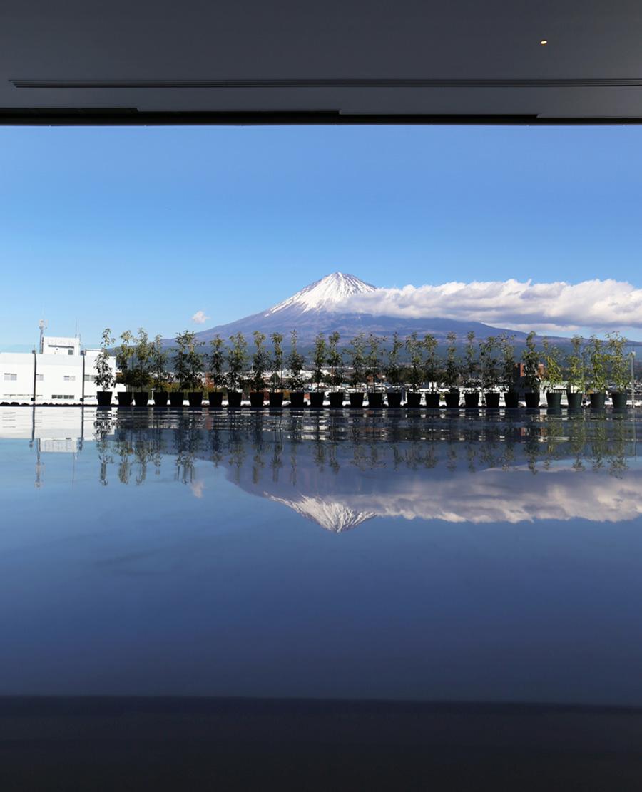 shigeru-ban-mt-fuji-world-heritage-centre-designboom-014B