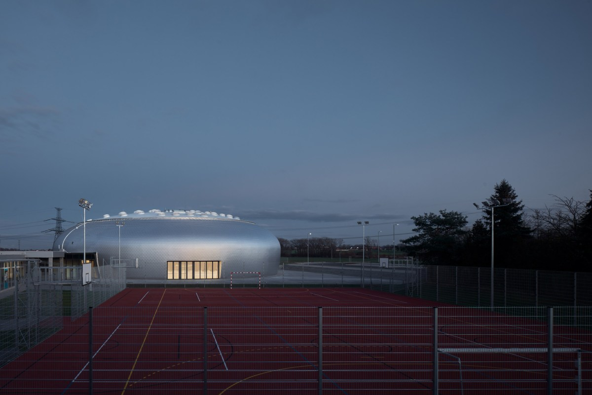 ovoid-sports-dome-moss-and-fog-12