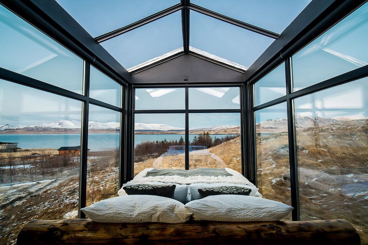 panorama-glass-lodge-1