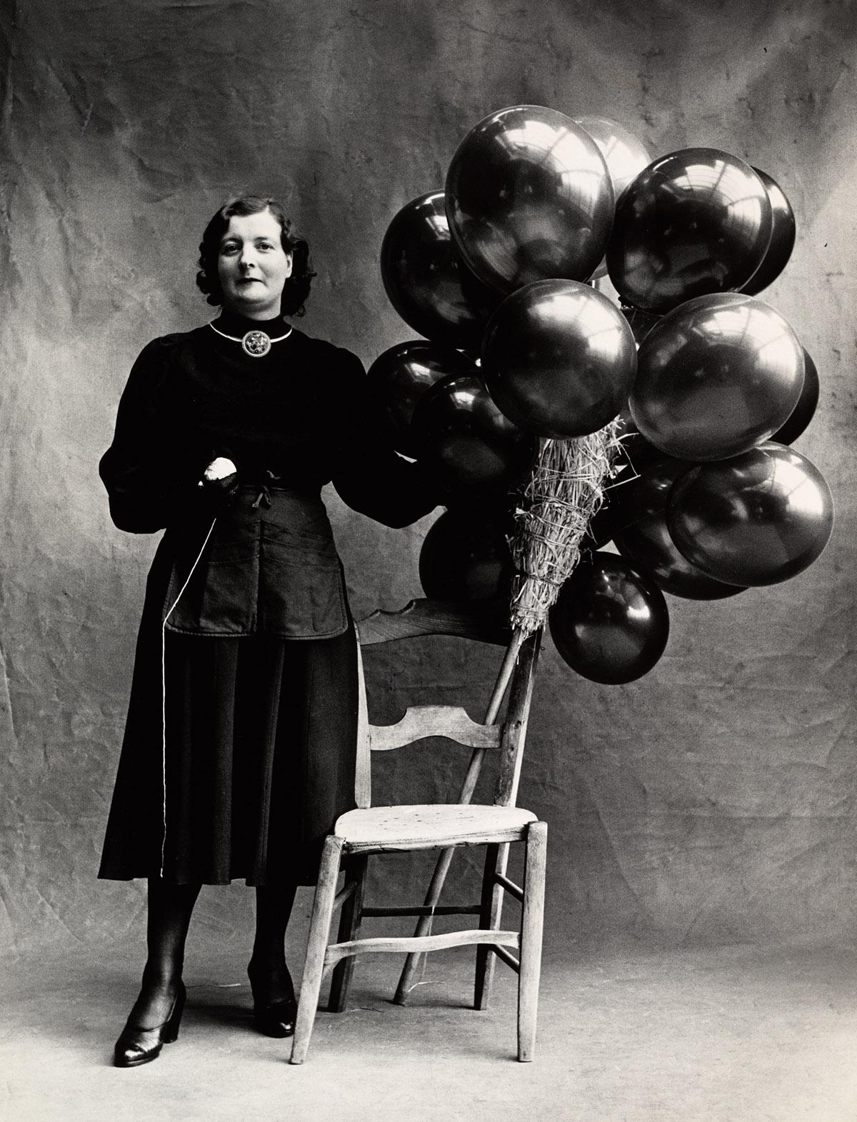 marchande_de_ballons_b_paris_1950_[balloon_sel