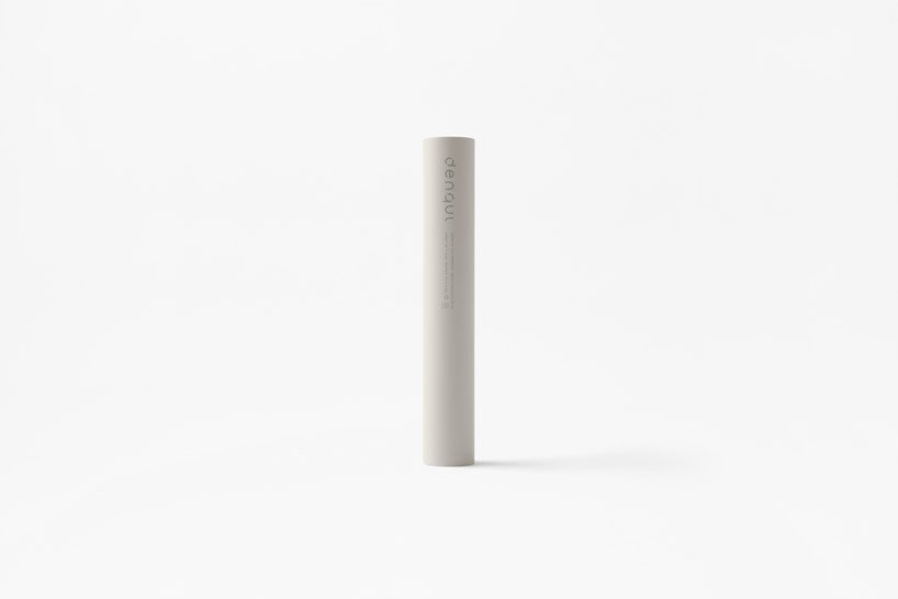 nendo-mobile-battery-charged-hand-1