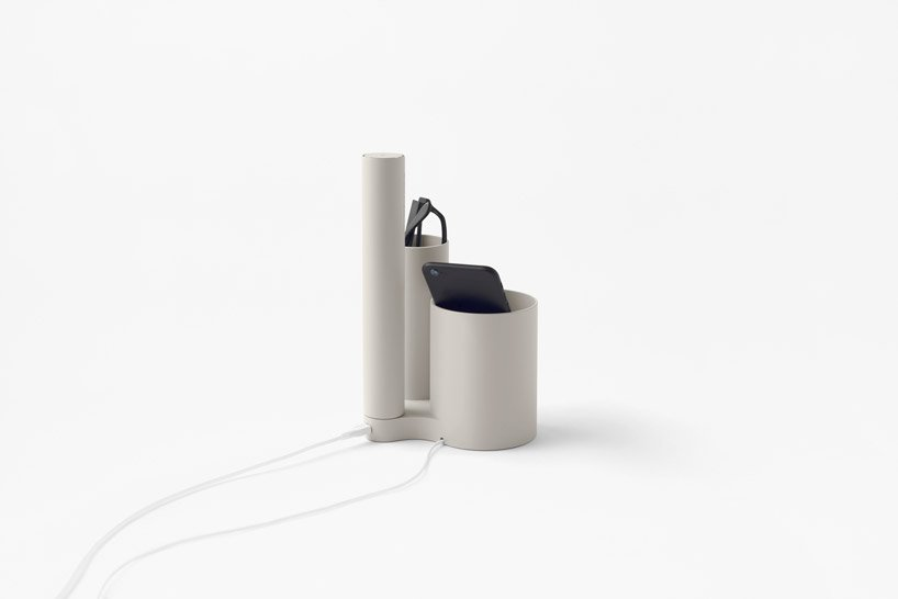 nendo-mobile-battery-charged-hand-7