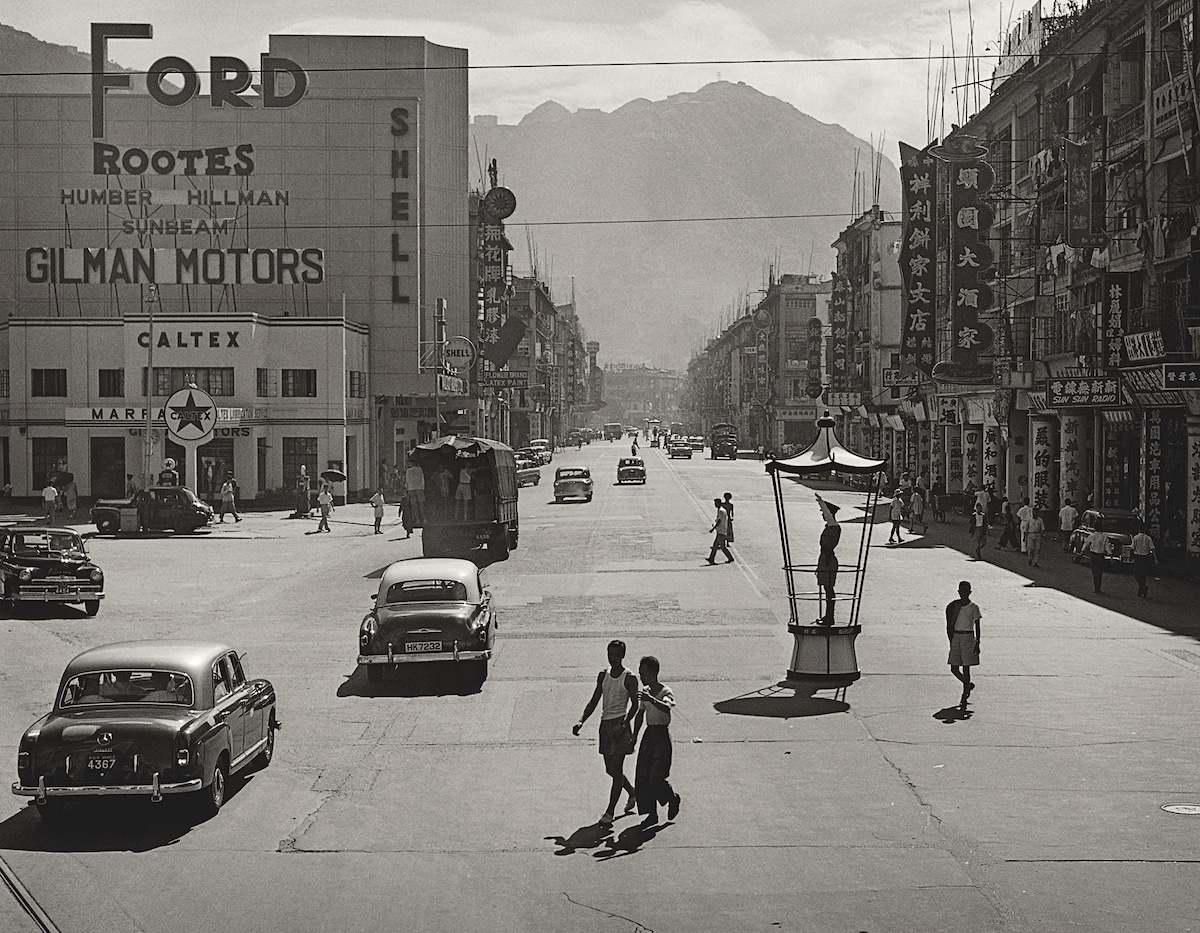 Fan-Ho-Recollection-of-Wan-Chai灣仔集體回憶-Hong-Kong-1950s-and-60s-courtesy-of-Blue-Lotus-Gallery