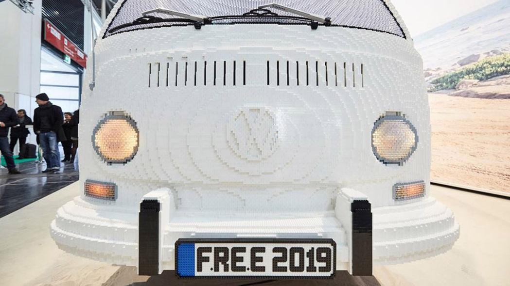 lego-volkswagen-type-2-bulli-van-1-12